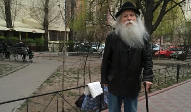 """""""Я боролся ради украинцев и ради народа"""": 91-летний украинец отдает последнее бойцам на фронт"""
