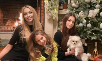Оля Полякова с дочерьми, Маша Полякова