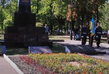 Найдены десятки скелетов: в Харьковской области провели массовое перезахоронение, детали