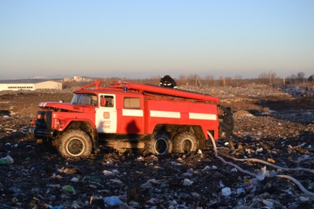 Стало известно, сколько пожарных будут сегодня оберегать украинцев