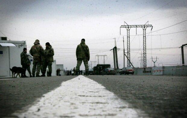 Ситуація в АТО: бойовики обстріляли КПВВ