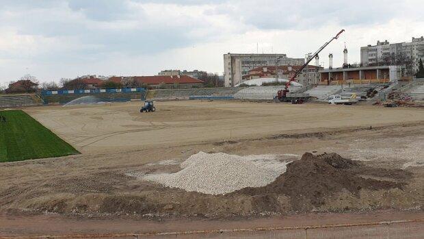 стадион, ремонт