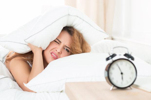 Можно повредить позвоночник и упасть в обморок: как нельзя начинать день