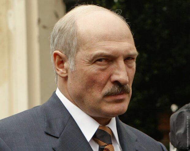Лукашенко дал отмашку на поставку ракет в Украину: «очередной нож в спину»