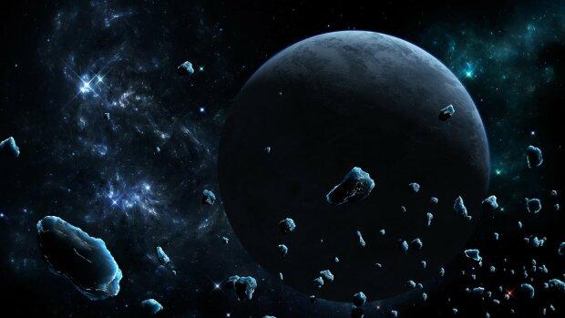 Метеориты «напали» на корабль NASA (фото)