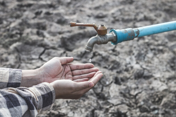 Екокатастрофа в Криму: водосховища обміліли, річка на межі зникнення, кадри