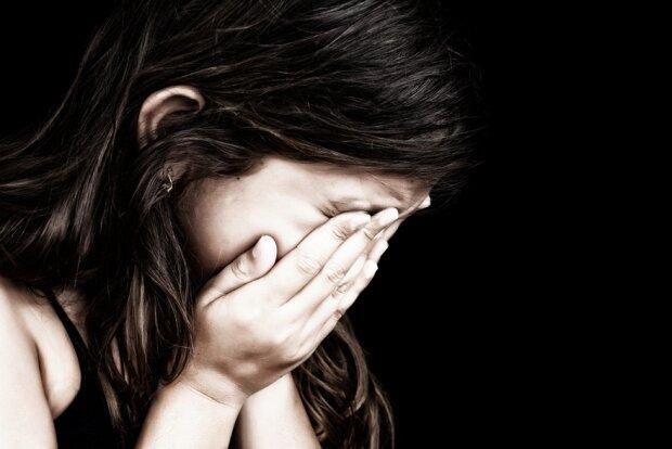 Жила в грязи и беспорядке: во Львове ребенка забрали от матери, фото