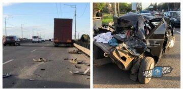 """Фура """"раздавила"""" легковушку в Харькове, есть пострадавшие: фото с места аварии"""