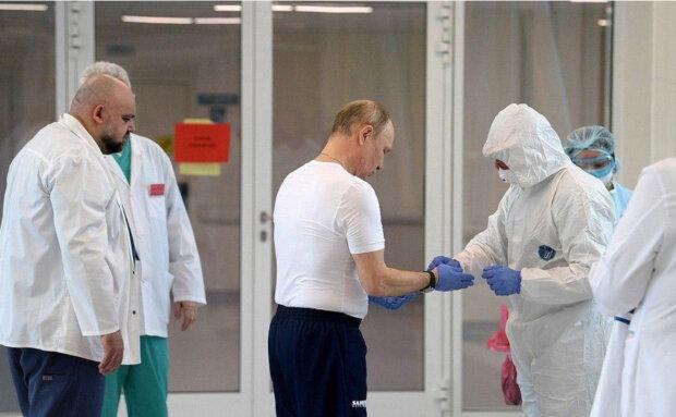 Путін вирядився в безглуздий «скафандр», мережа вибухнула фотожабами: «Де священик з кадилом?»