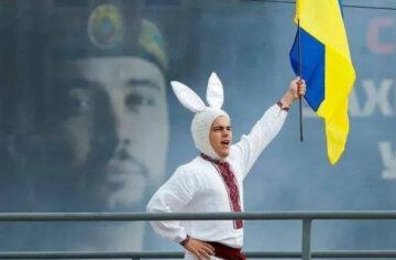 """""""Кролик"""" с концерта ко дню Независимости оскорбил украинцев: """"У людей нет мозгов!"""""""