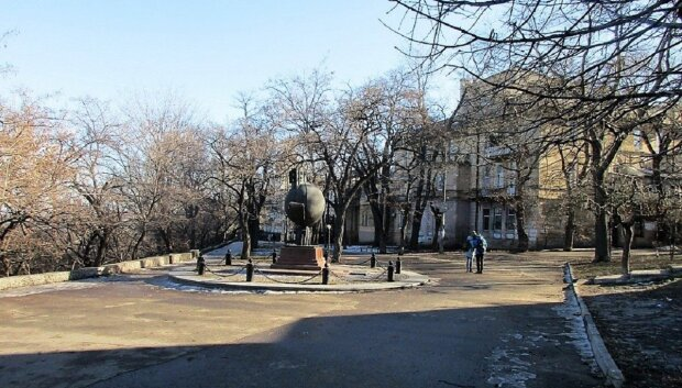 """Центр Одессы превратился в зону бедствия """"за счет горожан"""": кадры разрухи"""