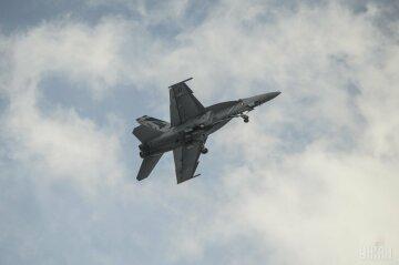 самолет военный