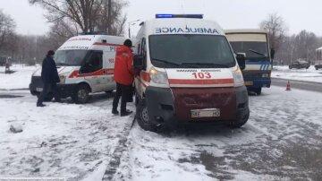"""Трагедия произошла с мужчиной возле больницы под Днепром: """"Прямо в канализационном люке..."""""""