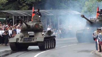 """Парад оккупантов едва не обернулся трагедией в Севастополе, видео ЧП: """"танк потерял управление и..."""""""