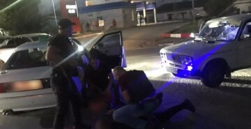 Банда викрадає авто і силою вимагає викуп за їх повернення: кадри свавілля на Одещині