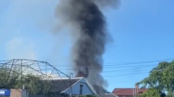 Потужна пожежа розгорілася на Харківщині, фото з місця НП: знайдено тіла людей