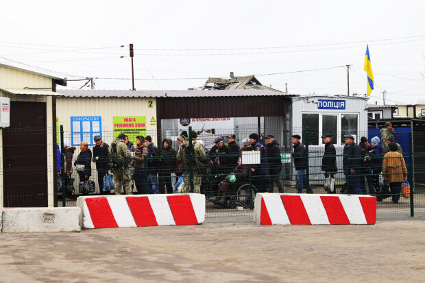 Поїздка в Україну трагічно закінчилася для десятків жителів ОРДЛО: усі подробиці