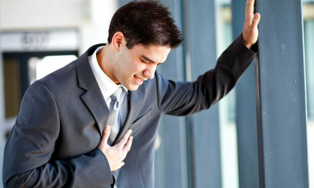 Боль в груди, курение, опасность