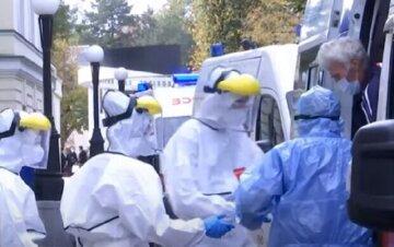 """16 пациентов не смогли побороть болезнь: вирус снова """"показал зубы"""" в Одесской области"""