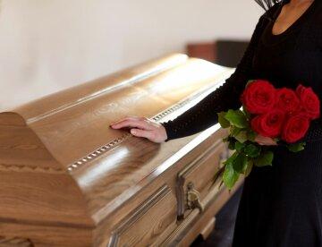 похороны, гроб, прощание