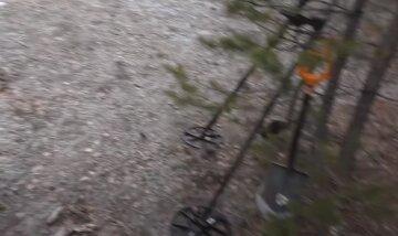 ЧП в Киеве: возле жилых многоэтажек нашли 500-килограммовую бомбу, фото с места