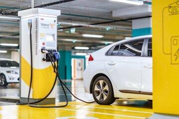 Суттєвий внесок у декарбонізацію електромобілі можуть зробити, ставши масовим продуктом, – YASNO