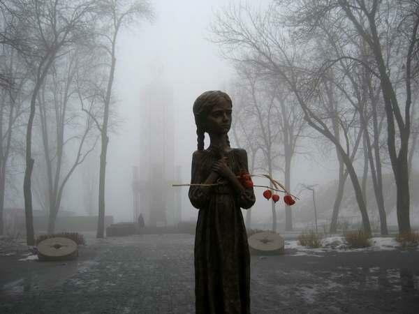 Имперская Россия пытается восстановить контроль над Украиной
