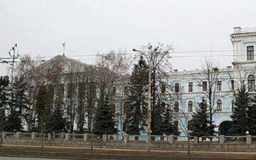 Трагедия в Киеве: возле Генштаба обнаружили тело мужчины с петлей на шее