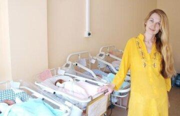 Знаменитим одеським п'ятернятам виповнилося 4 роки: як виглядають щасливі діти і мама