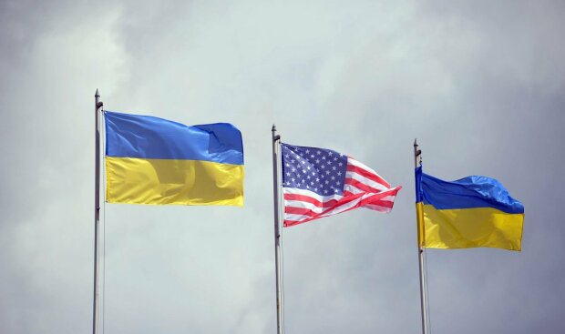 Украина США флаги