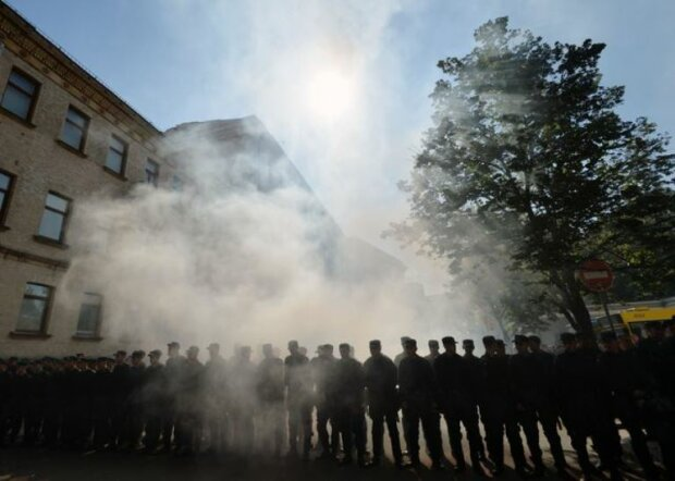 митинг протест бунт марш силовики