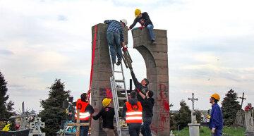 Польща назвала законним демонтаж пам'ятника воїнам УПА