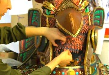 Украинцы разгадали, кто прячется под маской Грифона: «Просто захватывает дух»
