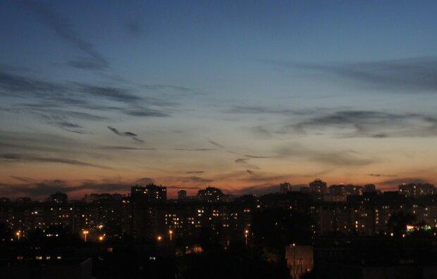 темно город закат