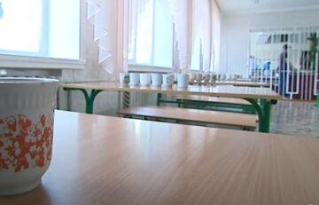 """""""Детки даже нюхать не хотят"""": киевлян возмутило меню в детсаде столицы, фото ужина"""