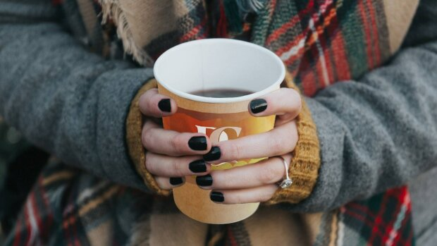 FALL-COFFEES-DC-Cup_fall_flavors_2340x1556