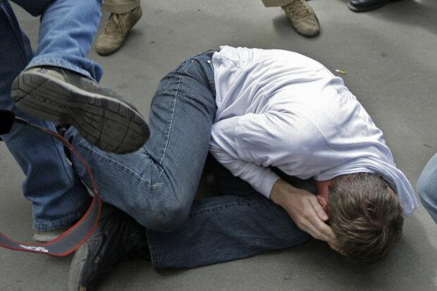 нападение, бить, избивать
