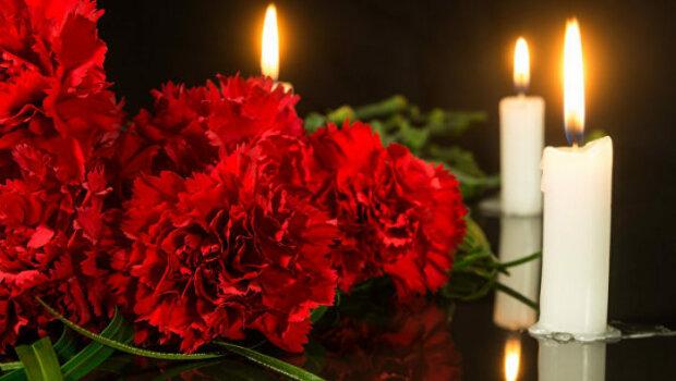 умер, цветы, смерть,