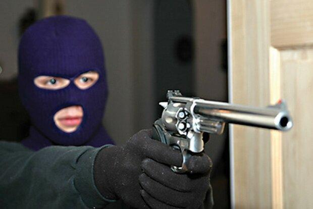 вооруженное ограбление,