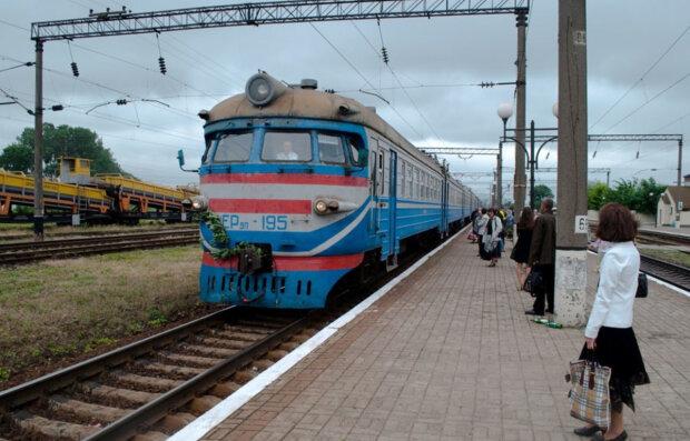 Мужчина с боеприпасами учинил переполох на станции под Харьковом, фото: приехала полиция