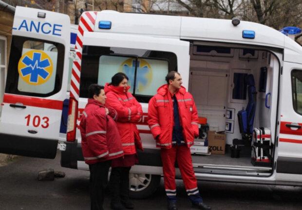 """""""Не менее двух тысяч гривен"""": в Днепре могут сделать платными вызовы скорой помощи"""
