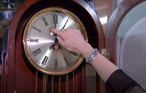 Скасування переведення годинників на зимовий час, в Кабміні назвали умови: «У тому випадку, якщо...»