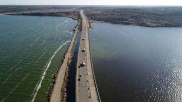 Дамба може не витримати: в Одеській області терміново перекривають важливу дорогу