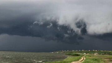 """Гроза насувається на Одесу, жителів попередили про небезпеку: """"До кінця дня"""""""