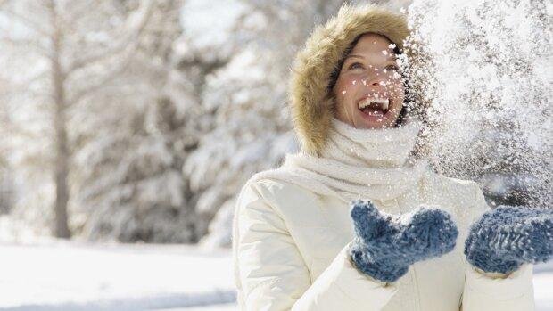 girl_brunette_coat_snow_winter_happiness_55122_1280x720