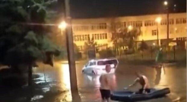Харків накрили потужні зливи, місто пішло під воду: кадри наслідків