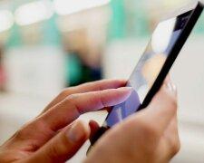 Сліпота через смартфон: вчені роз'яснили, в чому криється небезпека