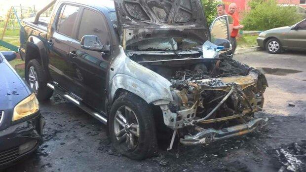 Підпал авто нардепа: опубліковано відео