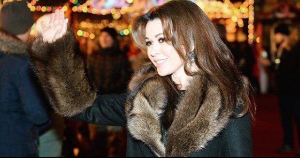 """Хвора на рак Заворотнюк зворушила до сліз новим фото: """"посміхається з Дідом Морозом"""""""