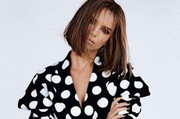 """Эмили Ратаковски вышла в свет в прозрачном платье с сумасшедшими вырезами: """"Красотка"""""""